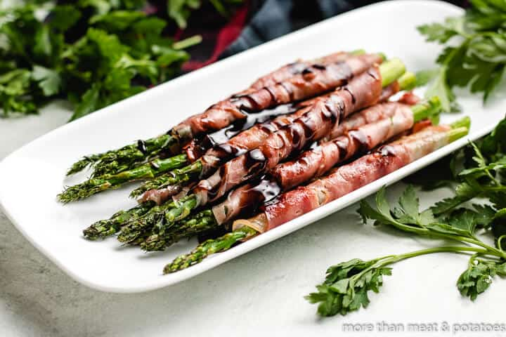 The finished asparagus topped with a balsamic glaze.