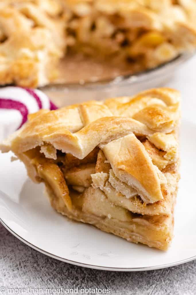 A serving of the cooled pie on a plate.