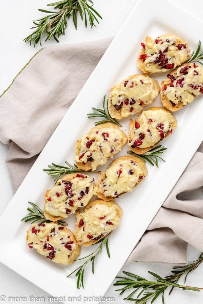 Cranberry brie crostini 3 cranberry brie crostini