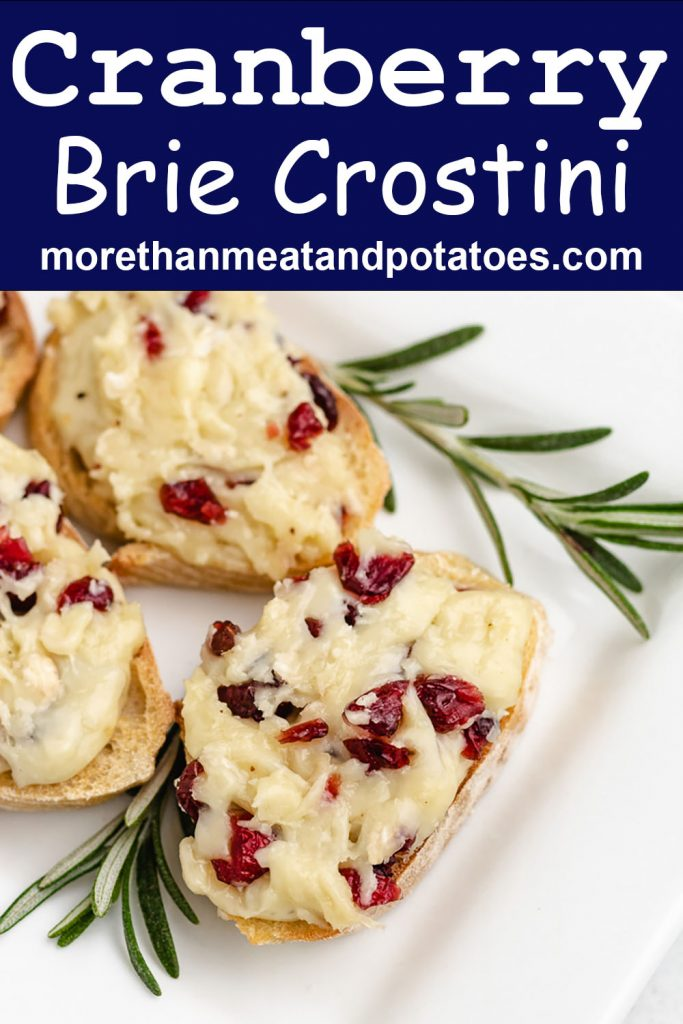 An aerial view of the cranberry crostini bites on a plate.