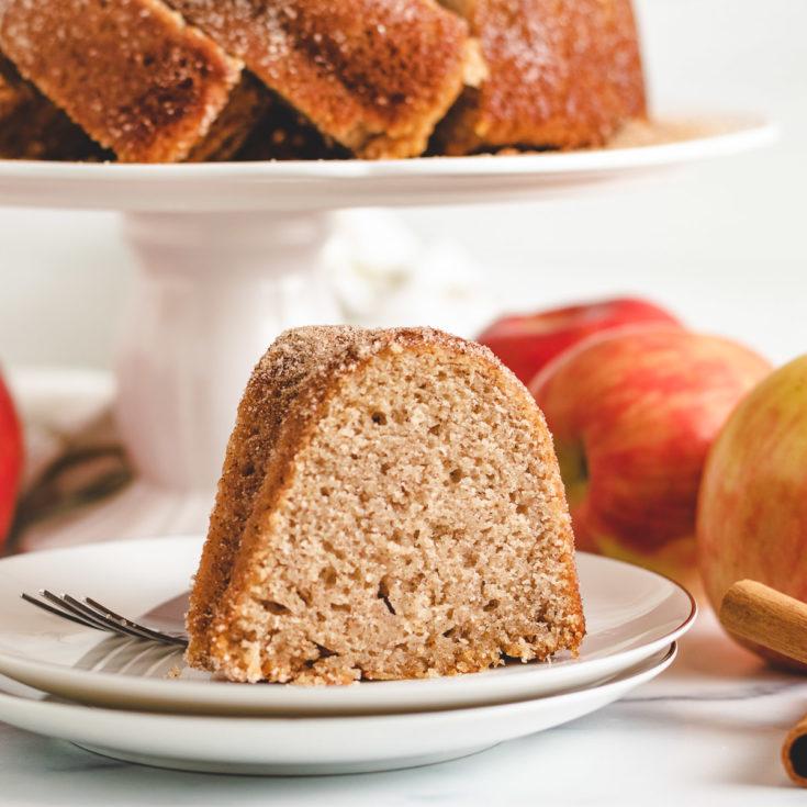 Apple cider cake featured image apple cider donut cake